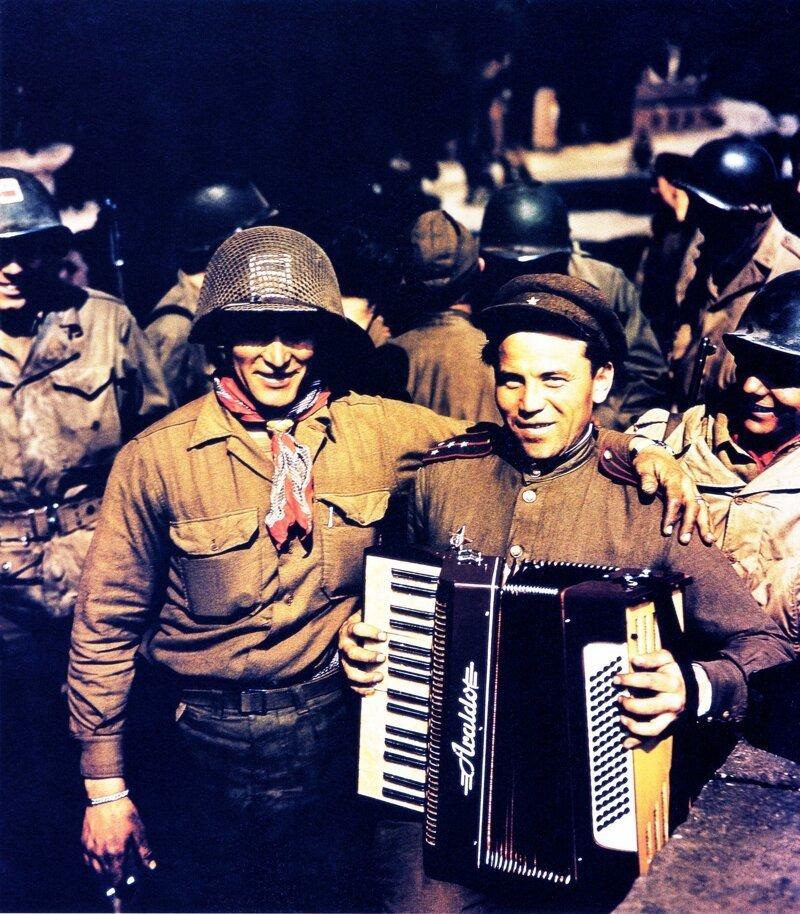 20. Встреча русских и американских солдатов в Торгау, 25 апреля 1945 года