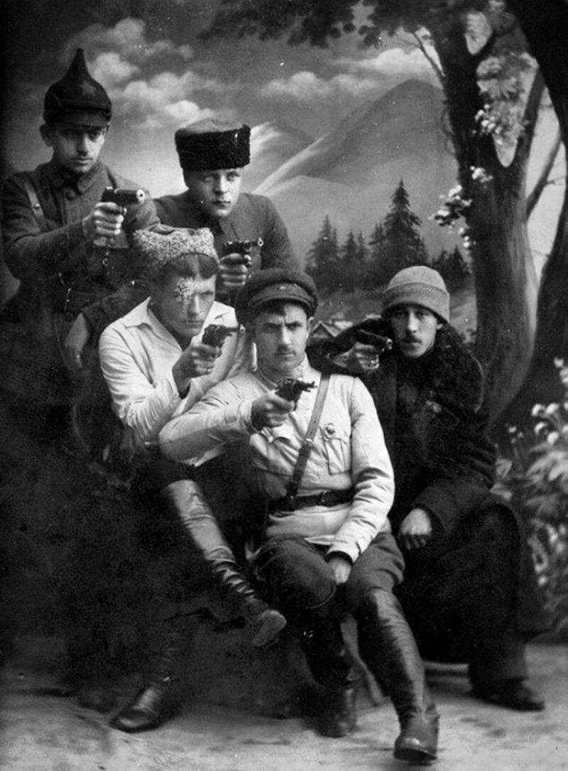 11. Фотосессия чекистов, 1921 год
