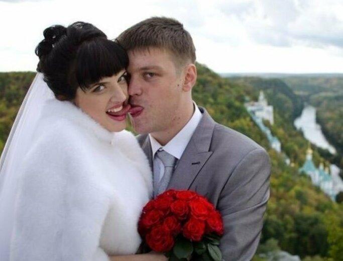 Каждая фотография пропитана сумасшедшей страстью деревня, невеста, платье, праздник, прикол, свадьба, село, юмор