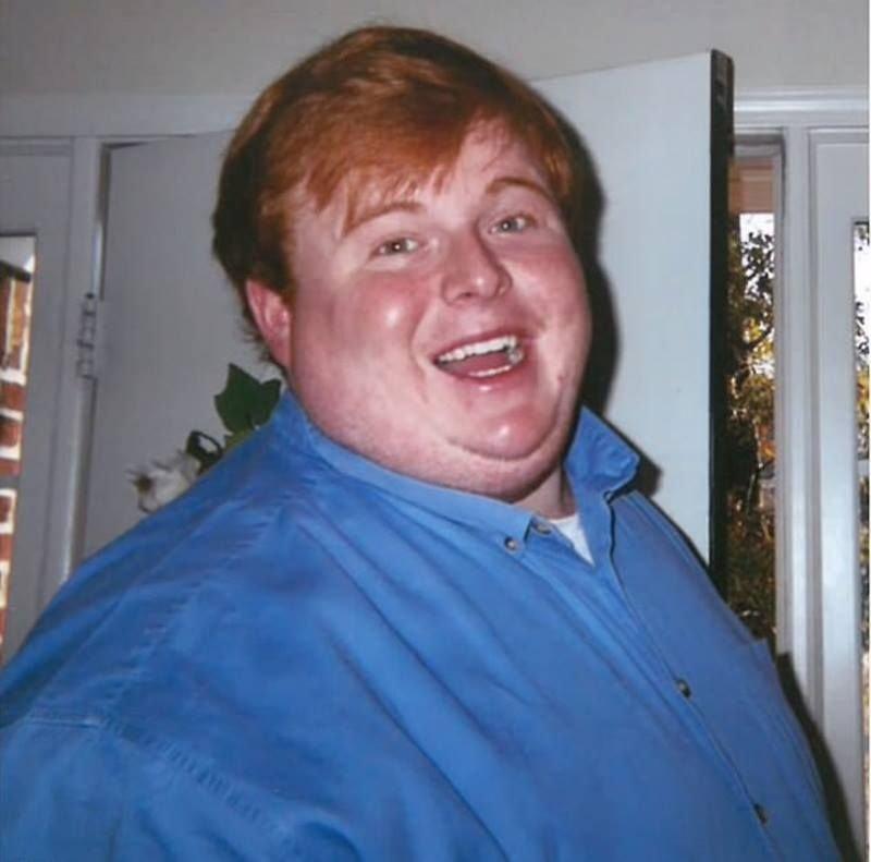 По словам Кейси, он всегда был «крупным ребёнком» и в конце средней школы весил больше 130 килограммов. После выпуска парень начал работать в нескольких ресторанах и часто в них ел. новости, ожирение, полнота, толстяк