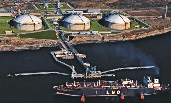 Путин ввел в строй СПГ-терминал, позволивший отказаться от транзита газа в Калининград через Литву