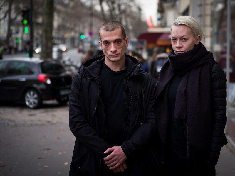 Суд в Париже приговорил Павленского к трем годам лишения свободы