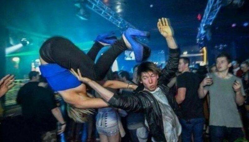 В Челябинске в ночь с 3 на 4 января проститутки подрались с геями в ночном клубе
