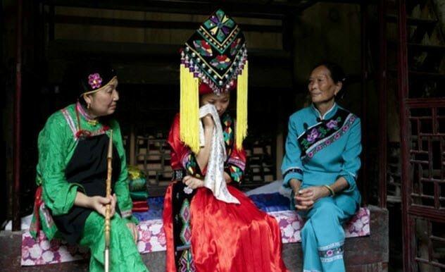 4. Массовый плач в Китае еда, жених и невеста, обряд, свадьба, традиции, традиции мира