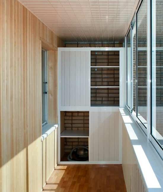3. Даже узкие лоджии идеально подходят для хранения, в них можно установить столько шкафов, сколько нужно: в стене, под окнами и даже в полу балкон, дизайн, идеи для ремонта, маленький балкон, ремонт, своими руками, фото