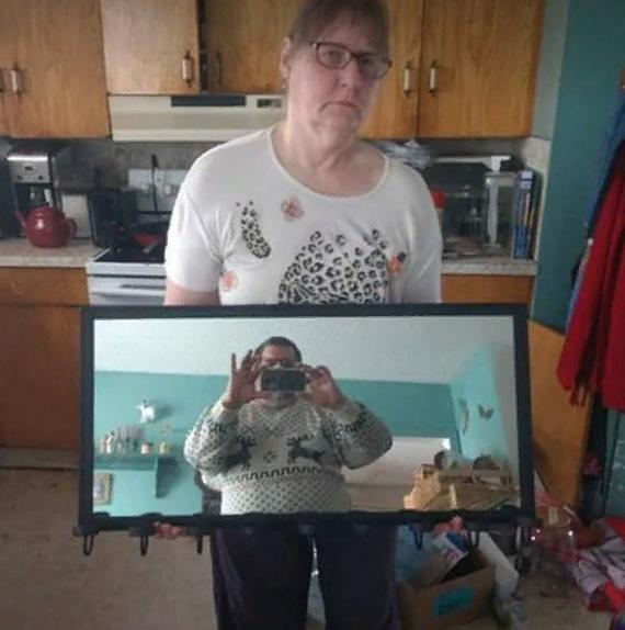 Убойные отражения, которые зачем-то слили в сеть зеркало, лук, отражение, потолок, прикол, стекло, туалет, юмор