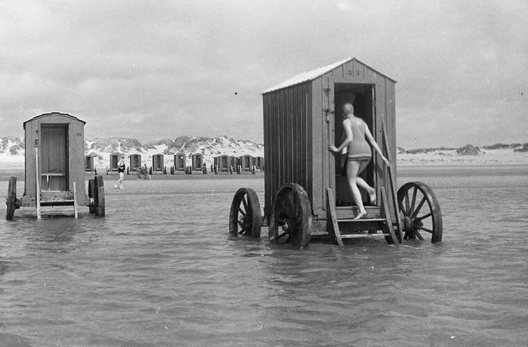 История вещей: купальная машина