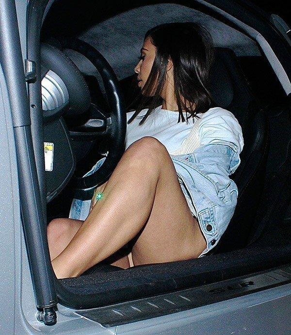 16. Ким Кардашьян звезды, красная дорожка, неловкость, одежда, ошибка, папарацци