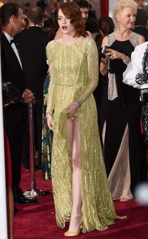 12. Эмма Стоун звезды, красная дорожка, неловкость, одежда, ошибка, папарацци