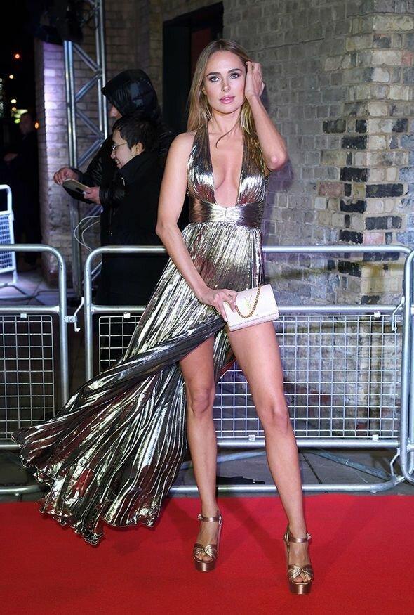 19. Кимберли Гарнер звезды, красная дорожка, неловкость, одежда, ошибка, папарацци