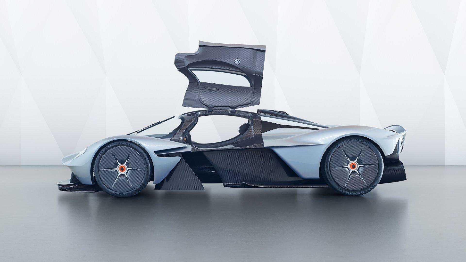Всё дело в пыли: как сделать Aston Martin Valkyrie максимально эксклюзивным