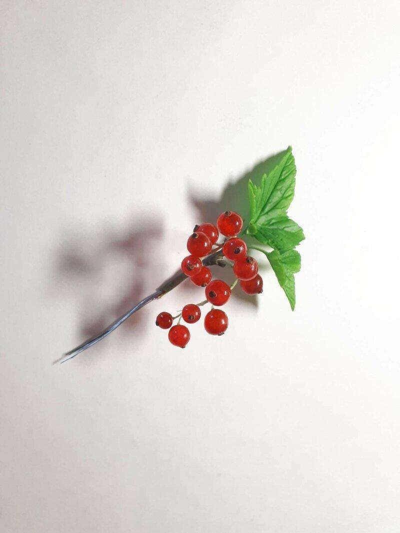 Красная смородина из полимерной глины лепка, полимерная глина, процесс изготовления, смородина, холодный фарфор, ягоды