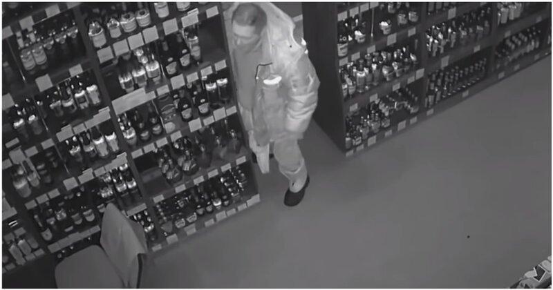 Мужчина разбил урной стекло алкомаркета и начал отмечать внутри помещения свой день рождения