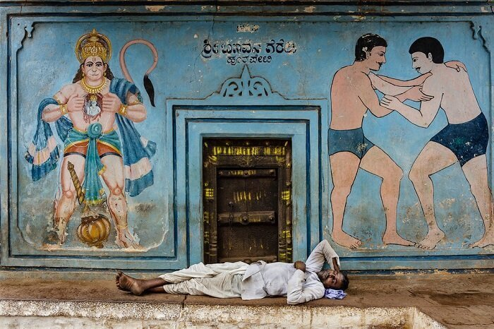 2. Вход в борцовский зал в Багалкоте, Карнатака (Индия) конкурс, фото, это интересно