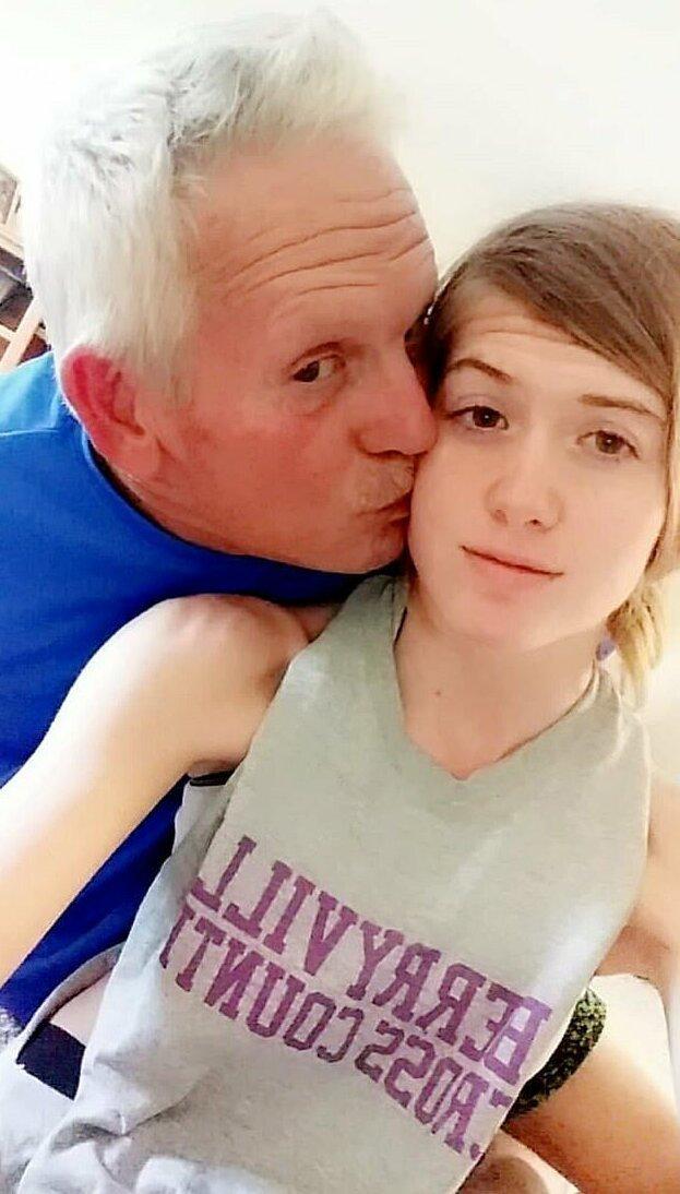 Секс Малолеток С Дедушками