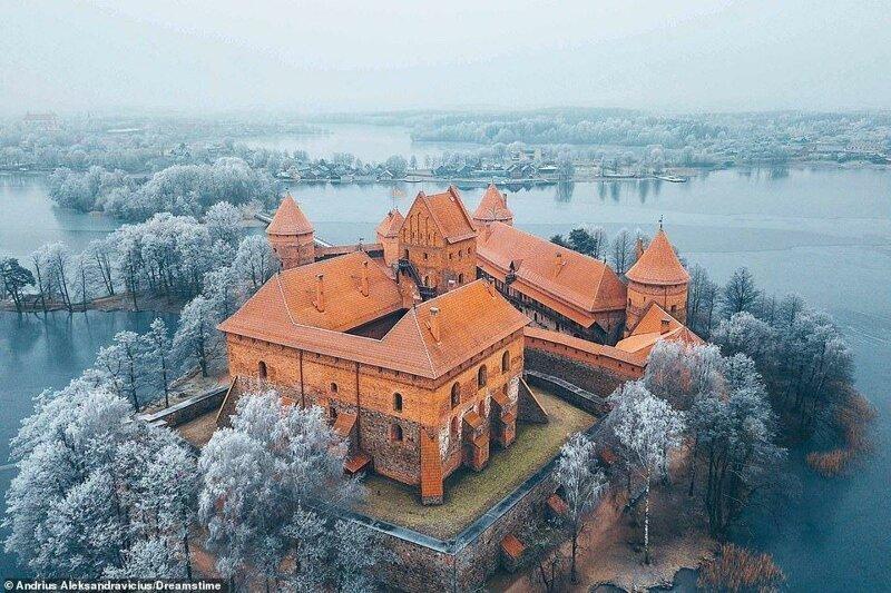 5. Тракайский замок, Литва