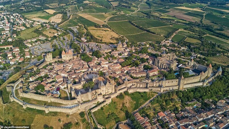 20. Крепость Каркассон, Франция