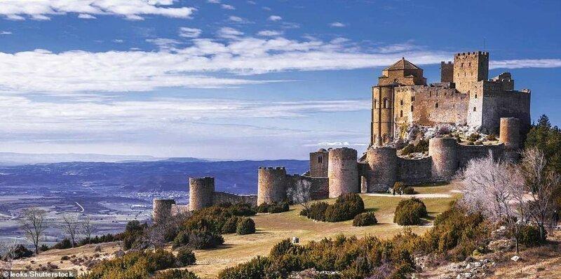 11. Замок Лоарре, Испания