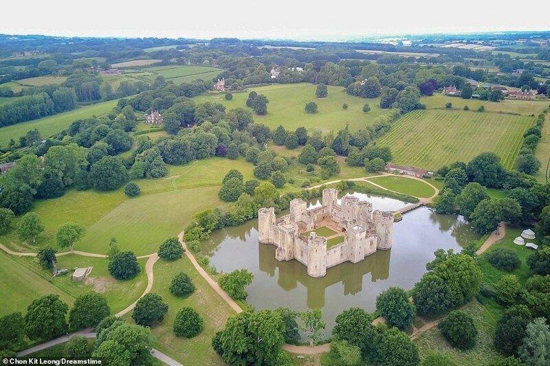 4. Замок Бодиам, Великобритания