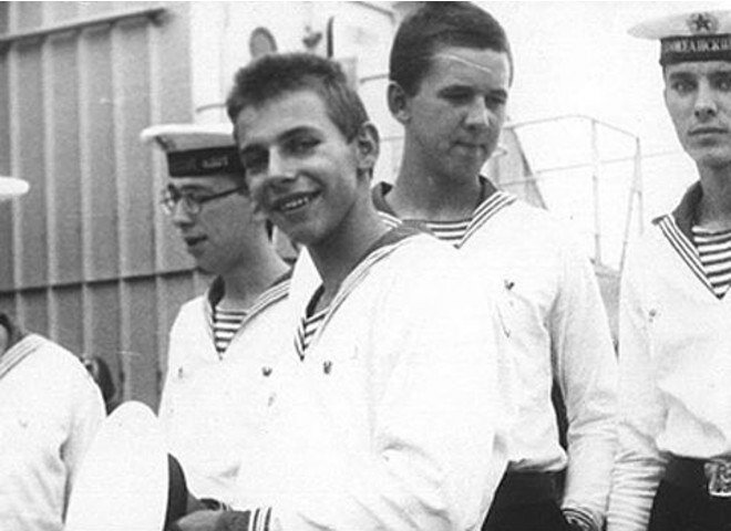 1. Илья Лагутенко, лидер группы «Мумий Тролль» армия, будущее, дембель, звезды, знаменитости россии, служба