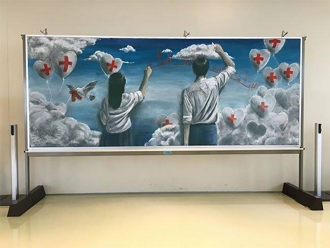 Увлекательное использование классной доски в Японии интересное, искусство, классная доска, необычное, рисунки, фото, япония