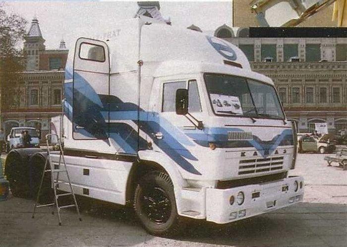 Прототип КамАЗа 1995 года со спальной кабиной как у американских грузовиков