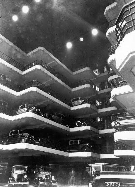 Автомобили марки Citroen на парковке Le Marbeuf, Париж, 1930 авто, автомобили, архив, из прошлого, машины, парковка, прошлое, ретро