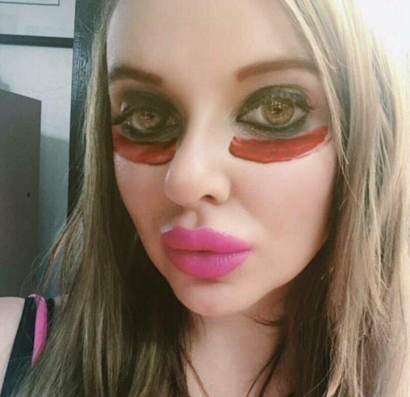 7. Почти все цвета радуги девушки, макияж, плохой макияж, прикол, смешно, ужасный мэйк, юмор