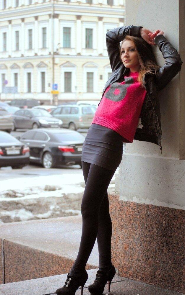 foto-krasivih-devushek-v-legginsah-i-kolgotkah-i-shortah