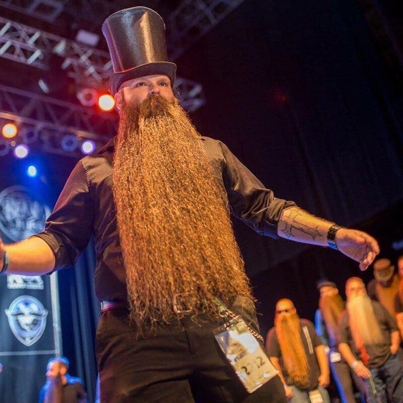 Борода Лэнса завоевала уже несколько наград, а началось всё с небольшого конкурса в Ньюпорте, штат Кентукки Лэнс Вутон, борода, в мире, волосы, истории, люди, мужчина, растительность
