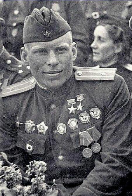 Дважды герой СССР Алексей Васильевич Алелюхин - 601 боевой вылет, провёл 258 воздушных боёв, уничтожил 40 вражеских самолётов лично и 17 вов, военное, история, люди, невероятное, подвиг, факты