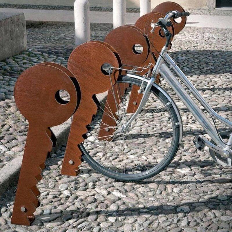 3. Стойка для велосипедов в виде ключей от Раффаэле Лаззари дизайн, дизайнеры, идея, креатив, талант, фото