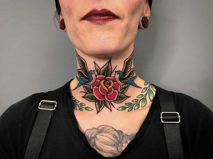 Больно, но красиво: подборка необычных татуировок на шее