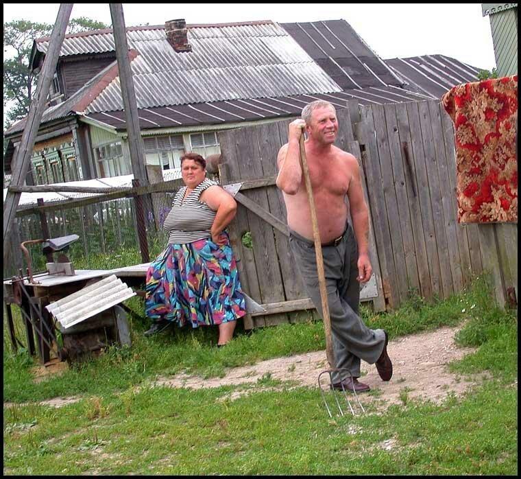 kak-starie-trahayutsya-v-kolhoze