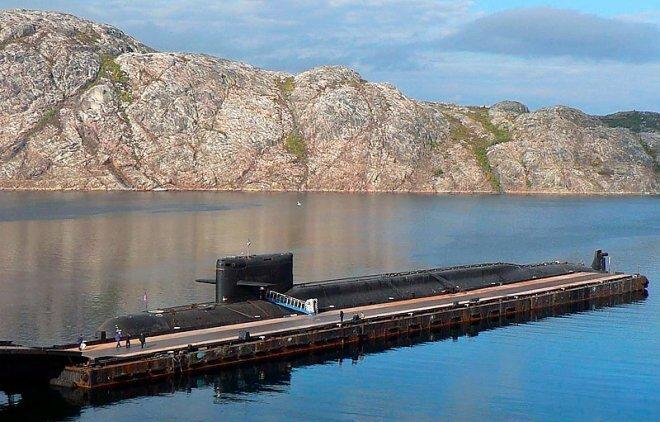 """На засекреченной атомной подлодке АС-12 """"Лошарик"""" погибли 14 подводников ynews, АС-12, Лошарик, гибель, моряки, подлодка, пожар, трагедия"""