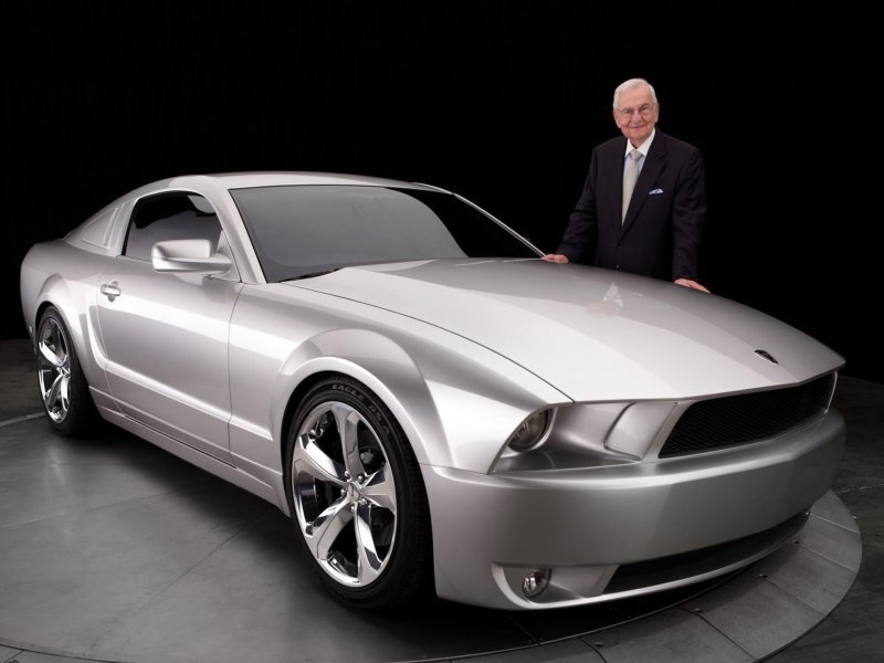 Памяти Ли Якокки: Ford Mustang Iacocca Silver 45th Anniversary Edition