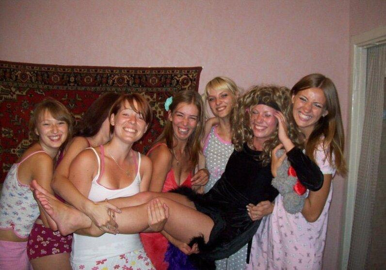 9. девушки, деревня, красота, прикол, село, селянки, смех, юмор