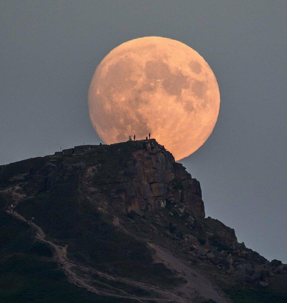 юбилейная необычные фотографии луны почитали