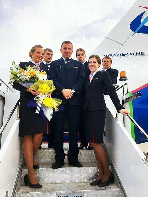 Пилотам удалось посадить самолет с двумя отказавшими двигателями Airbus А-321, ynews, Уральские авиалинии, авиа, жесткая посадка, лайнер, самолет