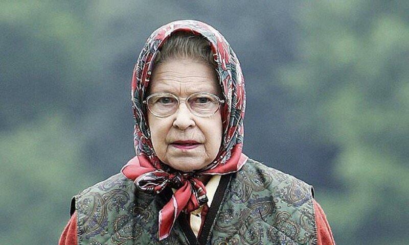 Королева пошутила над американскими туристами