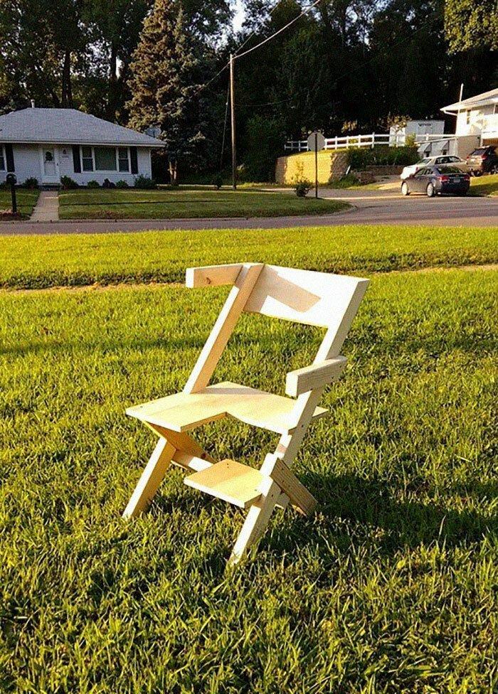 Отец сделал для своей бисексуальной дочери специальное кресло
