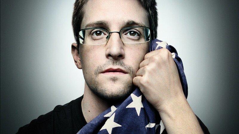 Сноуден рассказал о женитьбе и о том, как ему удалось вынести секреты прямо из подноса своего босса