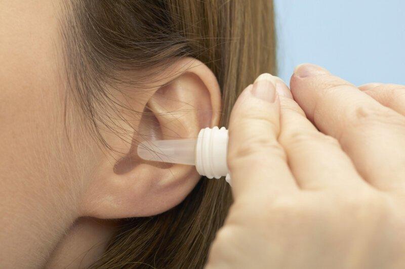 Болит ухо: причины, заболевания и устранение