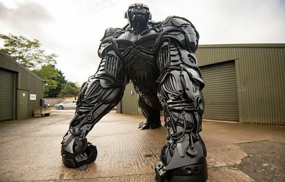 Британский скульптор создал «гориллу апокалипсиса» из отходов автомобильной промышленности