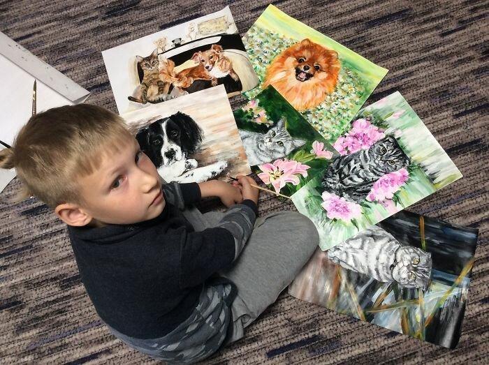 9-летний художник из Арзамаса помогает собачьему приюту