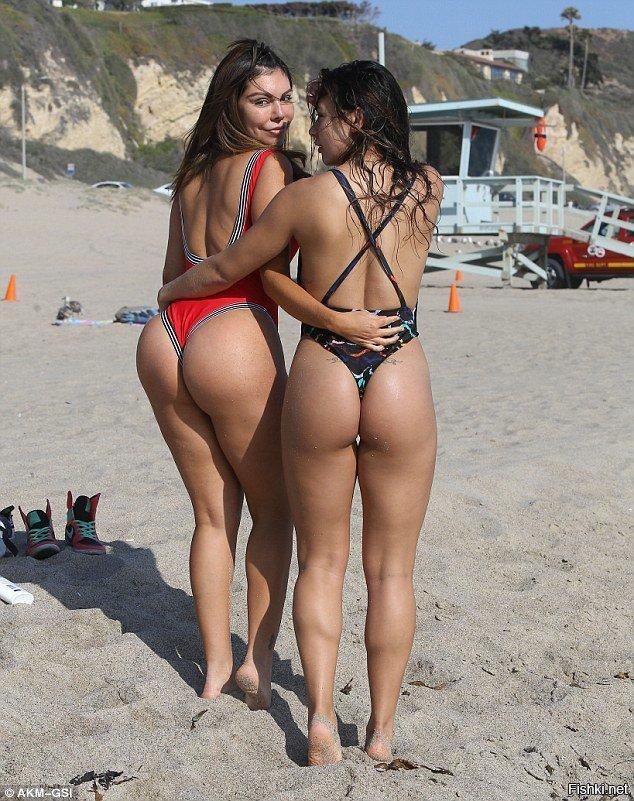 Girls In Thongs