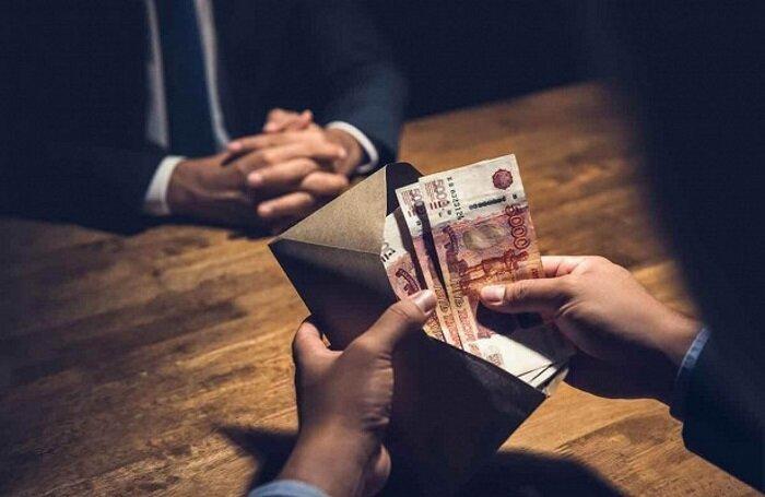 Российский следователь получил взятку в 19 миллионов, но избежал наказания