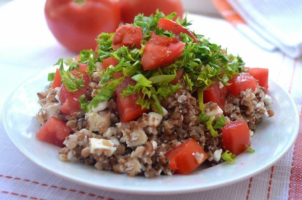 Гречка с сыром и помидорами для похудения