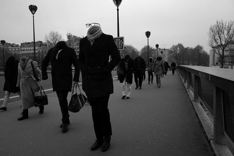 """""""Невидимые люди"""": символичный проект литовского фотографа"""