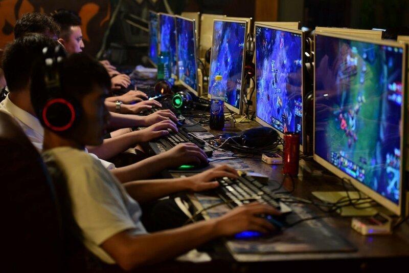 ВКитае подросткам ограничили время вкомпьютерных играх (2фото)